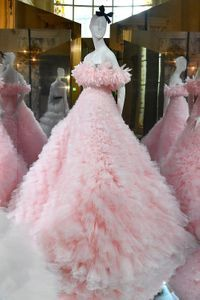 Défilé Giambattista Valli Haute Couture Automne-Hiver 2019-2020