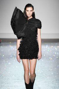 Défilé Giambattista Valli Haute Couture printemps-été 2019