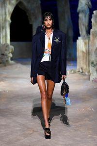 Défilé Versace Prêt à porter Printemps-été 2021