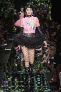 Défilé Moschino Prêt à porter Printemps-Été 2018