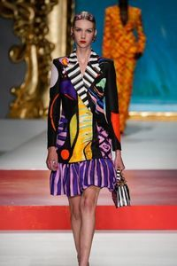 Défilé Moschino Prêt à porter Printemps-été 2020