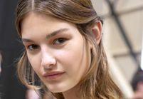 4 erreurs qui rendent vos cheveux plats