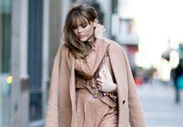 20 façons de porter la frange droite avec style