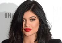 Kylie Jenner dévoile ses (vrais) cheveux