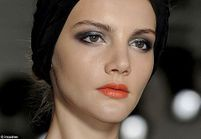 Maquillage : défilés Fashion Week PAP Printemps-Eté 2011