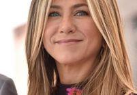 Jennifer Aniston utilise ce même produit de beauté depuis le lycée !