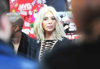 Kim Kardashian passe aux cheveux blancs en hommage à son idole