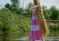 Elle ne s'est pas coupée les cheveux depuis 14 ans pour les laisser pousser « jusqu'aux orteils »