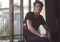 L'interview cool/pas cool de Vinnie Woolston, le beau gosse Yves Saint Laurent
