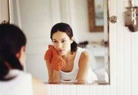 Brume nettoyante : l'astuce belle peau qui nous sauve de l'eau