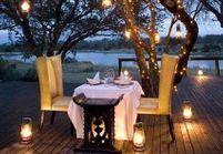 Leçon de déco : quel éclairage tamisé pour un dîner en amoureux ?