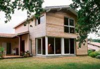 Agrandir sa maison avec une extension en bois