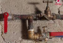 VIDEO : Comment colmater une fuite d'eau?