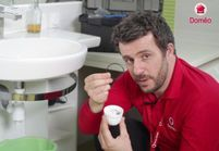 VIDEO : Comment déboucher un évier ou un lavabo?