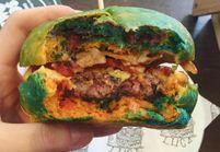 Le rainbow burger, le phénomène food qui ose la couleur
