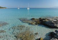 Les plus belles plages de Méditerranée pour buller sur le sable