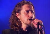 Courageux, Julien Doré chante un hymne anti-corrida dans les Arènes de Nîmes