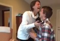 Prêt-à-liker : Une demande en mariage le jour de Noël provoque un buzz (et une réaction) inattendu !