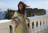 Emily Ratajkowski et sa robe idéale pour un mariage estival