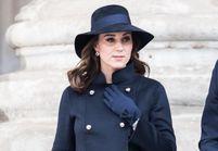 Et si on osait le total look bleu marine de Kate Middleton ?