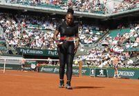 Pourquoi Serena Williams porte une combinaison noire à Roland-Garros ?