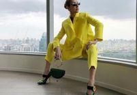 Qu'est-ce qui est jaune et qui attend ? Céline Dion !