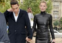 Kate Moss en total look cuir chez Miu Miu