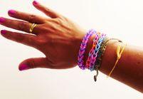 Tuto: comment réaliser un bracelet élastique Rainbow Loom facile?