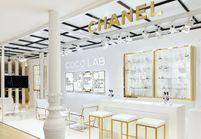 #ELLEfashionspot : le Coco lab, la nouvelle boutique éphémère (et loufoque) de Chanel