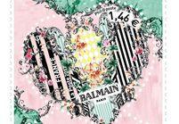 L'instant mode : la maison Balmain revisite le timbre cœur de La Poste