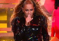 Beyoncé : coincée dans les airs à son concert, elle n'arrive pas à redescendre !