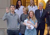 Chelsea Clinton sort de la maternité
