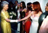 Elizabeth II, la reine que les stars adorent!