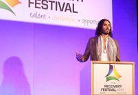 Fondation Amy Winehouse : Russell Brand témoigne