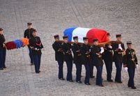 Hommage à Aznavour : Belmondo, Brigitte Macron, Carla Bruni... les stars lui disent adieu