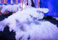 Les Instagram de la semaine: Dita Von Teese et sa robe magique!