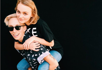 Lily-Rose Depp pose pour une campagne LGBT