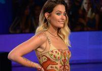 Paris Jackson pose topless pour montrer son tatouage