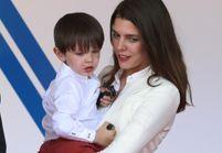 Raphaël, le fils de Gad Elmaleh et Charlotte Casiraghi, fait ses premiers pas au Grand Prix de Monaco !