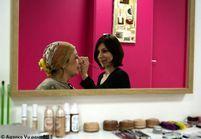 Un salon de beauté pour les femmes précaires
