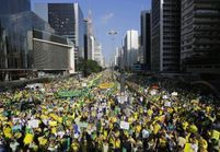 Brésil : des manifestations pour la destitution de Dilma Rousseff