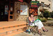 En grève de la faim contre les rythmes scolaires, une élue est hospitalisée