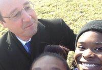 François Hollande serait-il devenu accro aux selfies?