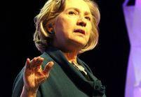 Hillary Clinton victime d'un lancer de chaussure