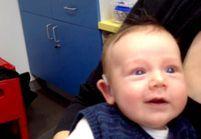 Un bébé sourd entend pour la première fois et émeut le Web