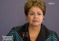 Les larmes de Dilma Rousseff, revenant sur les années de dictature au Brésil