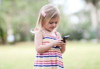 Les moins de 6 ans bientôt privés de portable ?