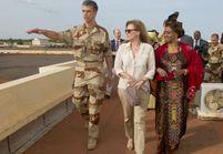 Mali : Valérie Trierweiler accueillie en star