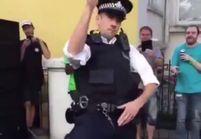 Un policier britannique réalise une danse endiablée et enflamme le Web