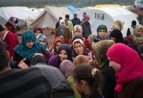 Une migrante syrienne accouche sur un bateau de réfugiés